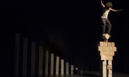 Acrobatie au cirque-théâtre: la gravité selon Nacho Flores