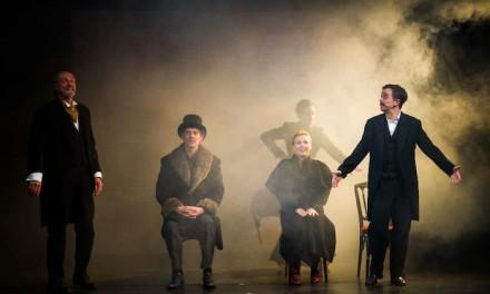Théâtre à Grand-Quevilly: l'art de l'illusion avec Alexis Michalik
