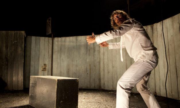 Théâtre : une leçon d'histoire décapante