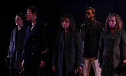 Théâtre au centre Voltaire: une marche vers l'indépendance