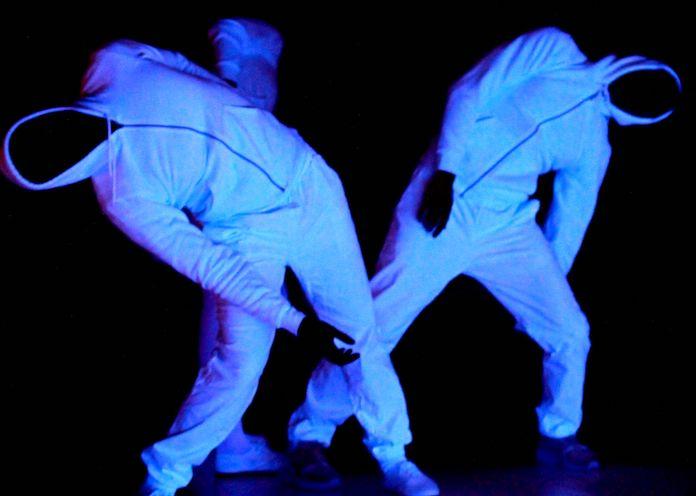 Danse à l'ECFM : tracer une ligne avec la compagnie Point Zéro