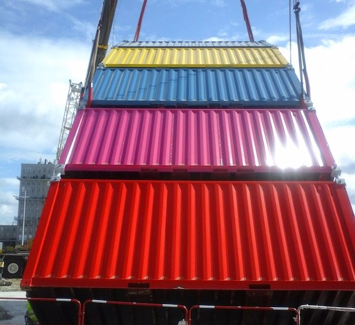Un jeu de construction de containers