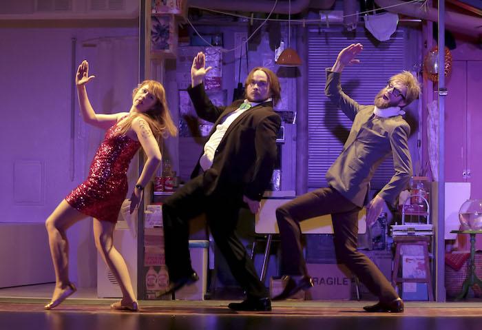 Théâtre : Trois solitudes et des centaines de gags