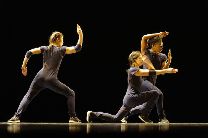 Danse au Rayon vert : les jeux de pouvoir de la compagnie Par Terre