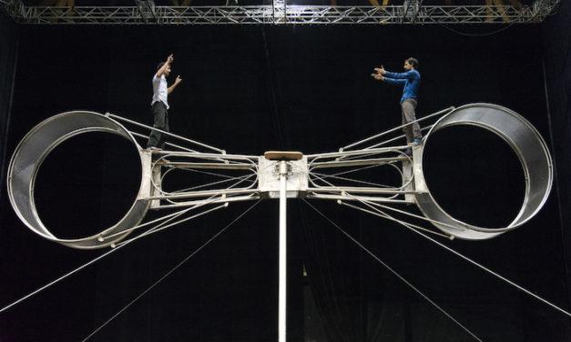 """La Meute au cirque-théâtre : la roue de la mort """"est l'essence de la vie"""""""
