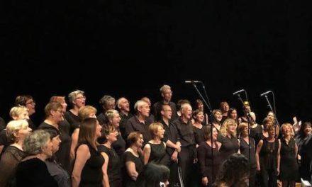 La Chorale Au Cours de l'Iton chante à Arras avec Akim Amara