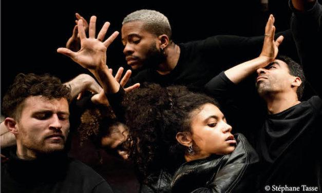 Les danseurs de Chute libre dans l'harmonie du désordre