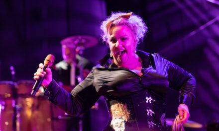 Kaz Hawkins : «Je ressens toujours l'esprit d'Etta James»