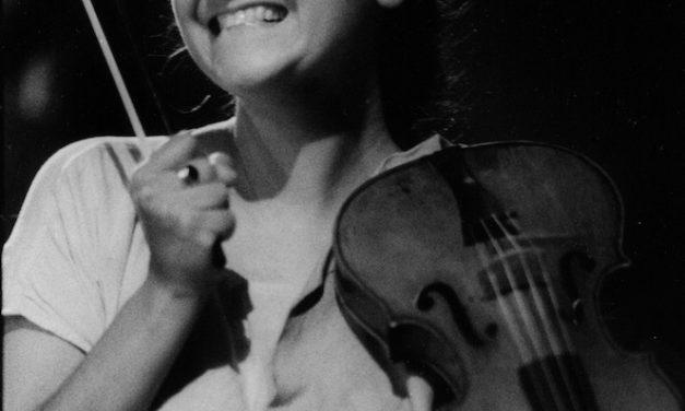 Hélène Schmitt : « Jouer une partition est  un rêve qui nous est offert »