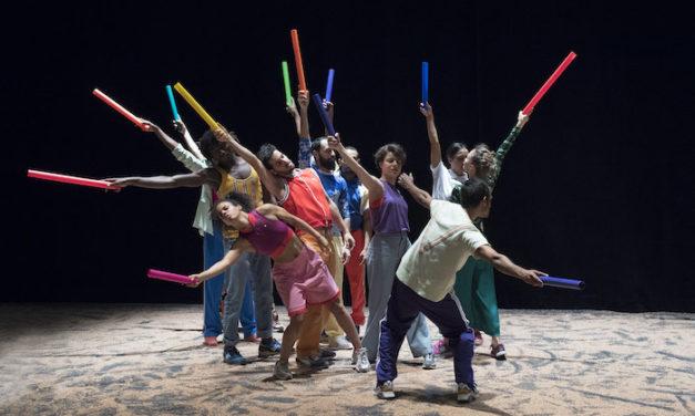 Une danse pour fêter la jeunesse